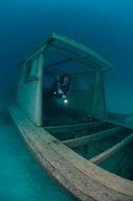 seaventures-dive-rig-sipadan-scuba-diving-kapalai