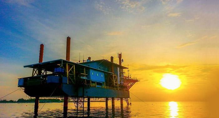 seaventures-dive-rig-sipadan-sunset