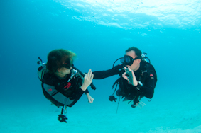 Diving Sipadan - Malaysia - Borneo - Seaventures Dive Rig - learn to teach diving - PADI IDC